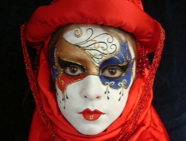 Img13_FaceMasquerade_comp_entry_front_2011_013